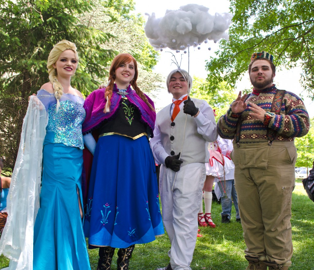 AnimeNEXT 2014 frozen cosplay